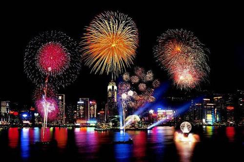 new-year-fireworks-hong-kong-00